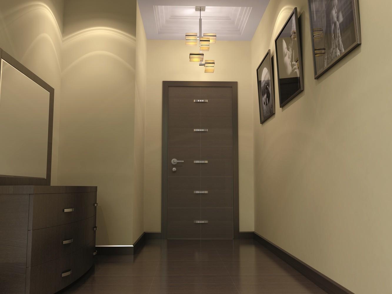 темные двери в коридоре во светлыми обоями