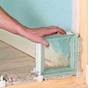 Монтаж перегородки из стеклоблоков своими руками