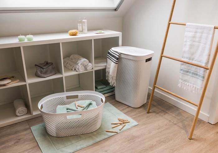 пластиковые корзина для белья в ванную