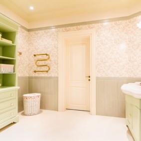 Светлая ванная в пастельных тонах
