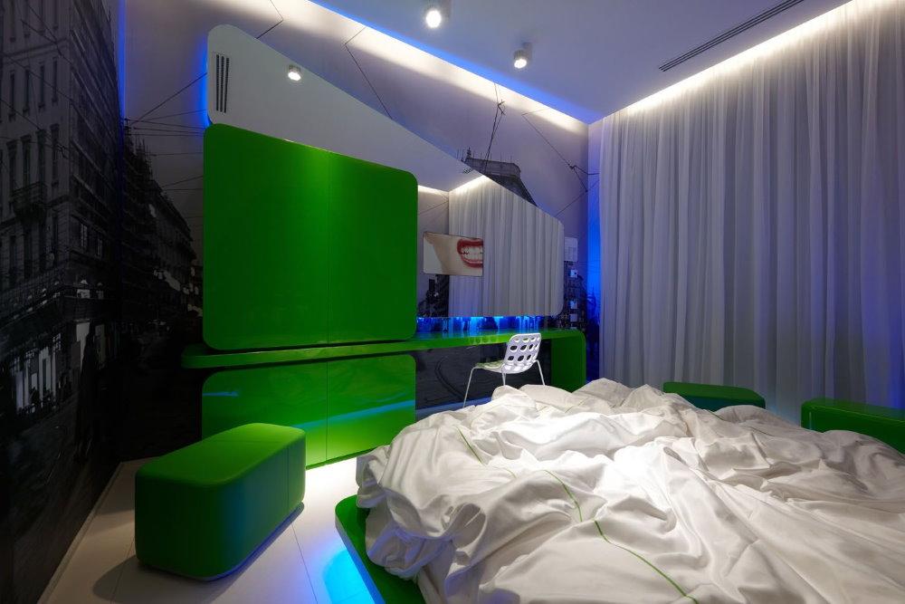 Зеленый цвет в интерьере спальной комнаты хай тек