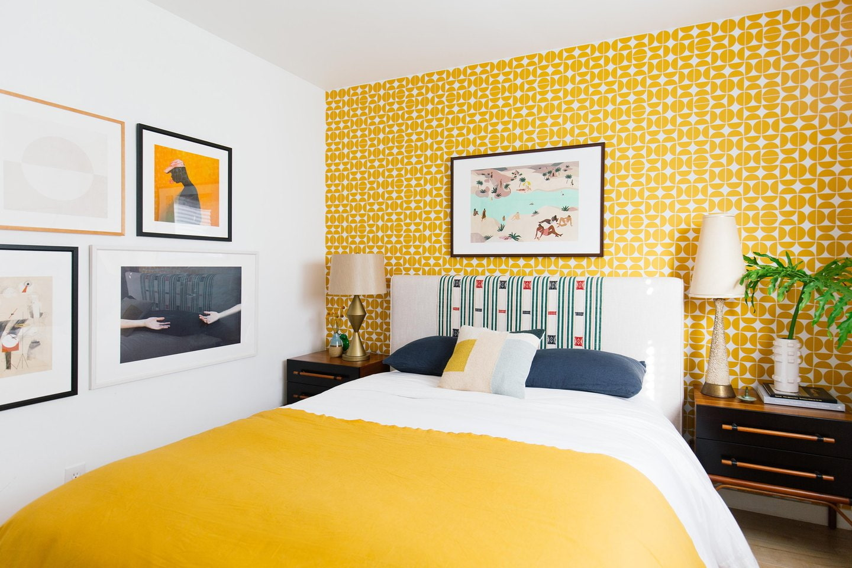 желтая спальня фото декора