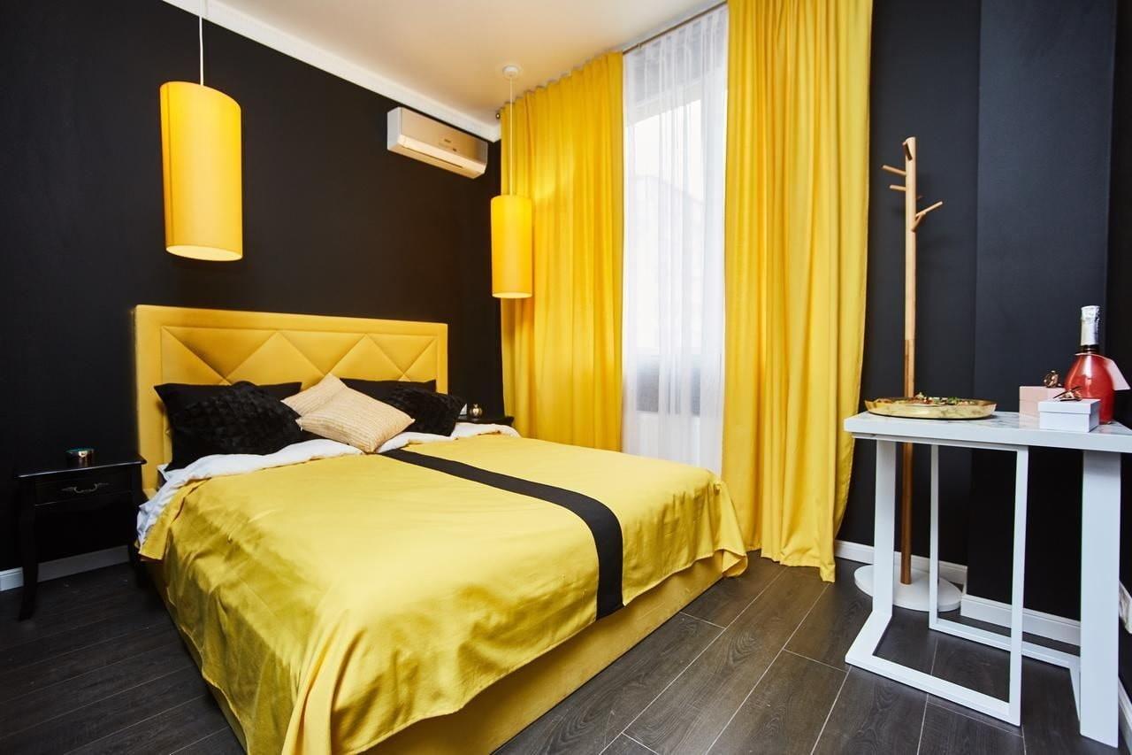 желтая спальня идеи варианты