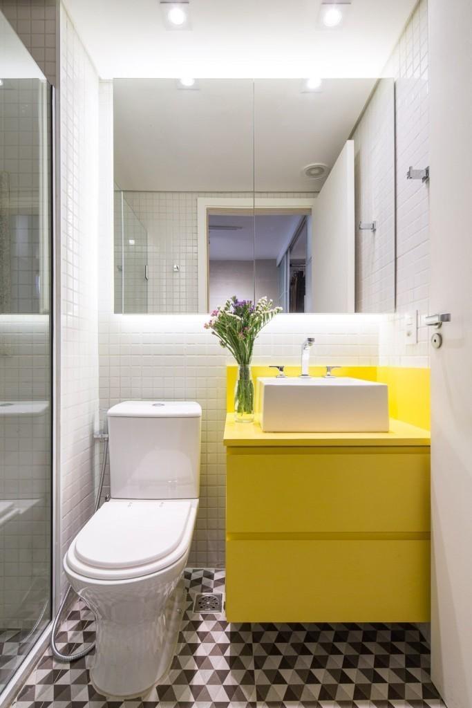 Желтая тумба с накладной раковиной