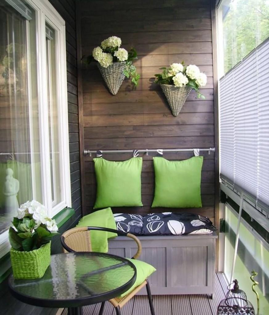 Организация места для отдыха на балконе кухни
