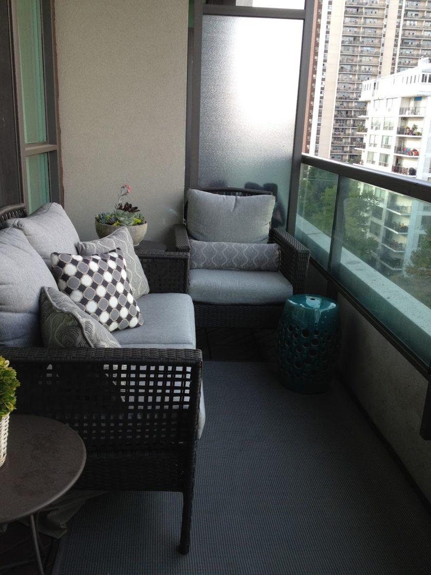 диван на балкон из ротанга