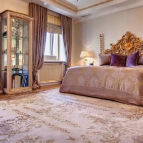 ковер в спальню в классическом стиле