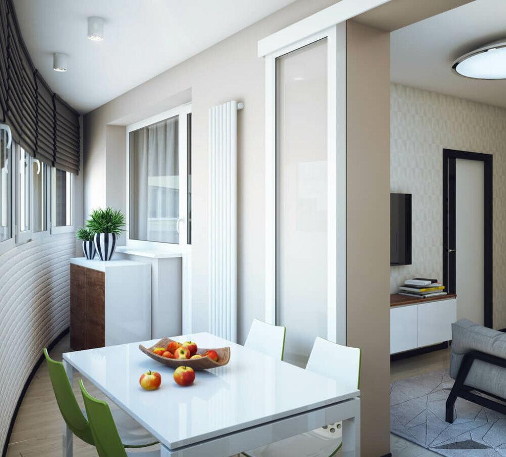 Кухонный стол на лоджии в однушке