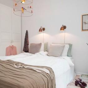 бра в спальне над кроватью декор идеи