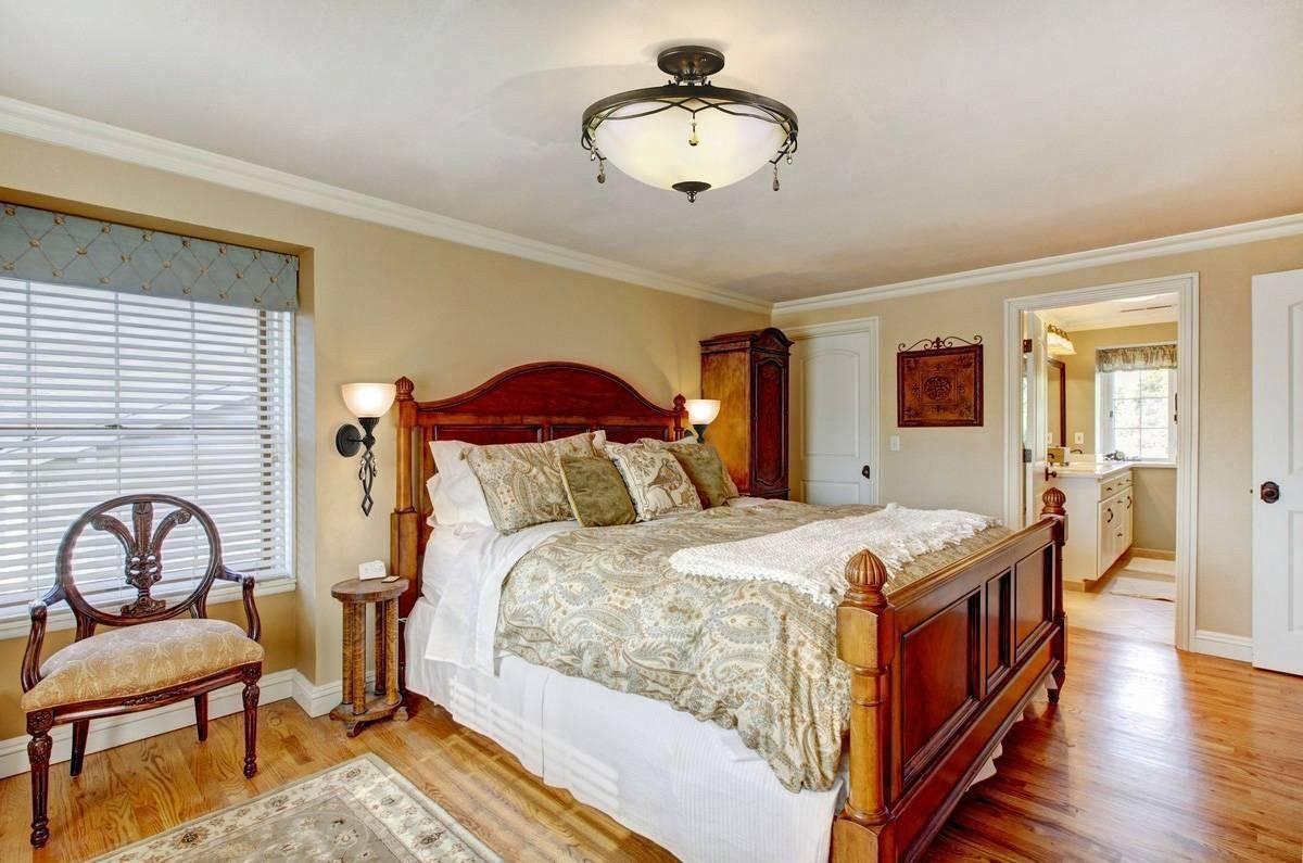 бра в спальне над кроватью фото интерьер