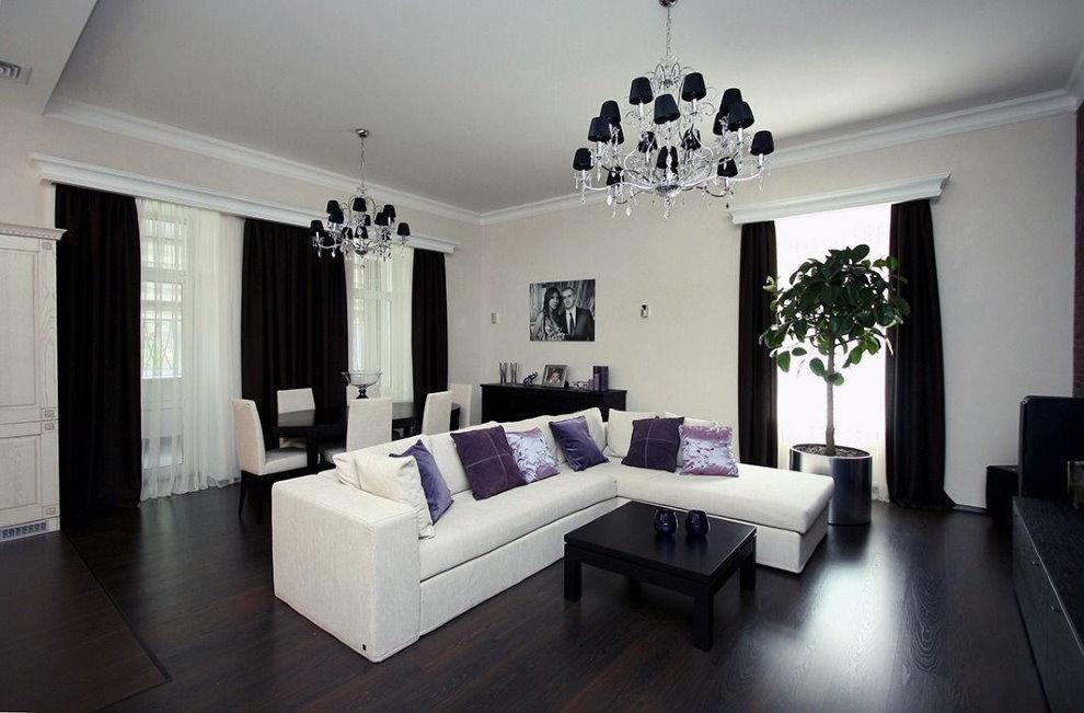Черные занавески в гостиной современного стиля