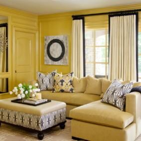 Крашенные стены желтого цвета