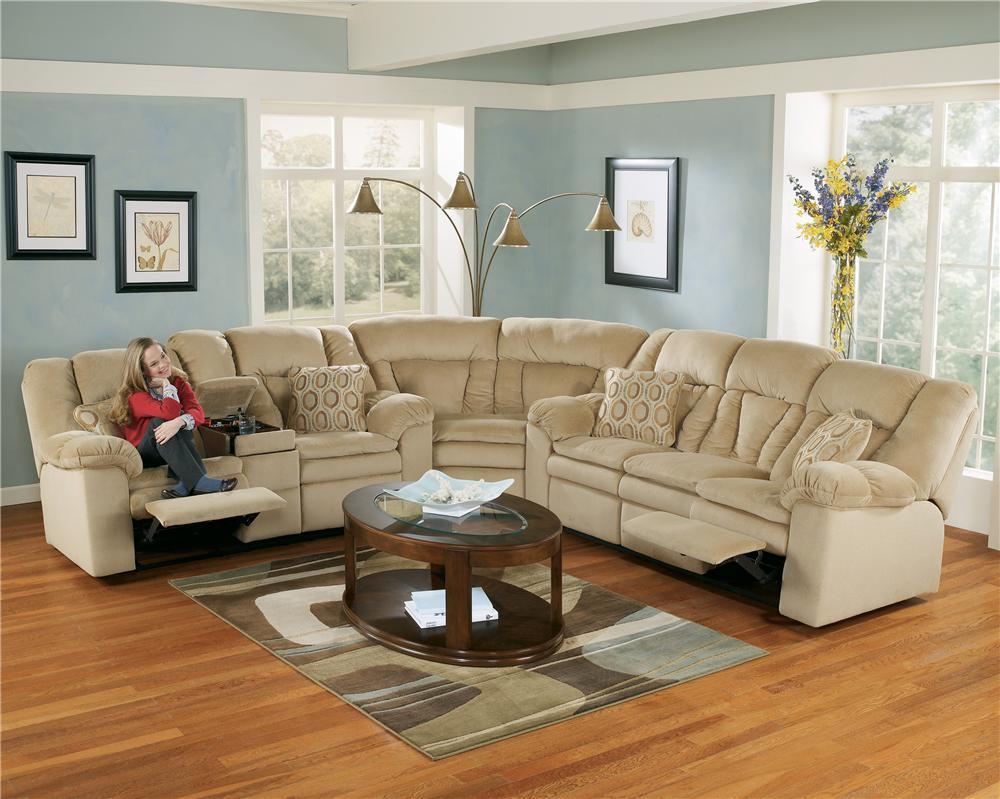 Девушка на угловом диване в гостиной