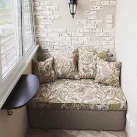 диван на балкон варианты