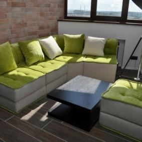 диван на балкон варианты фото
