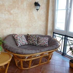 диван на балкон виды фото