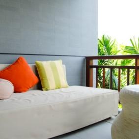 диван на балкон обзор