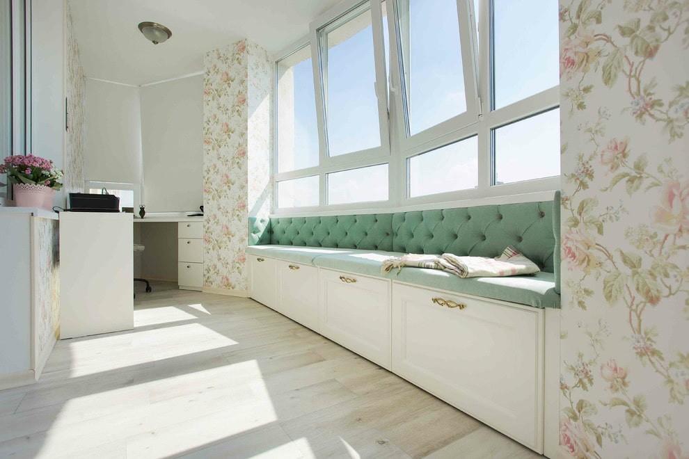 диван на балкон варианты примеров