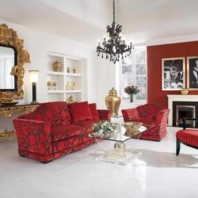 диван в гостиной декор