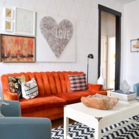 диван в гостиной фото декора
