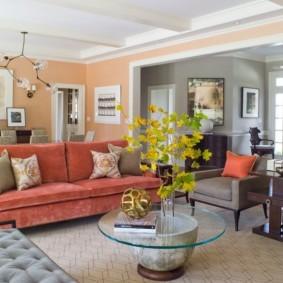 диван в гостиной интерьер фото