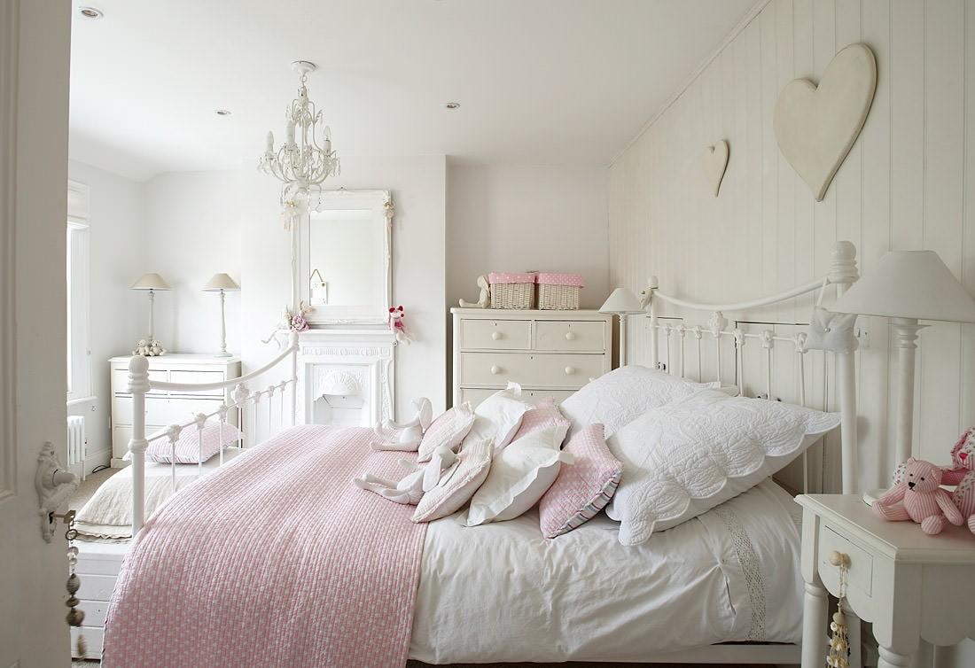 дизайн спальни для девушки светлые тона