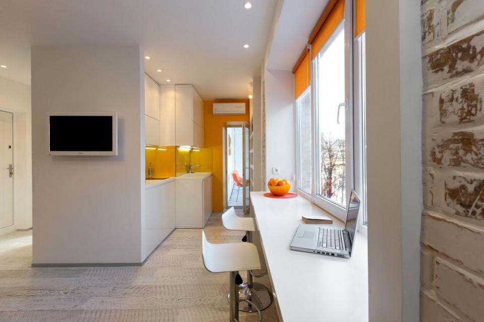 рабочее место на балконе в квартире студии 28 кв м