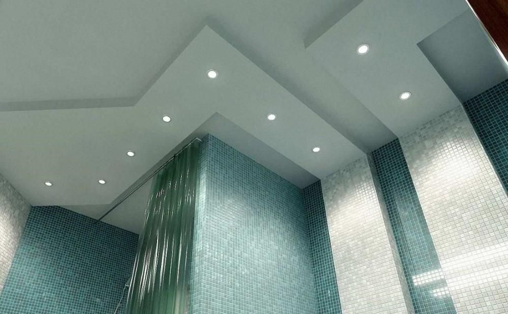 Точечные светильники в двухуровневом потолке ванной