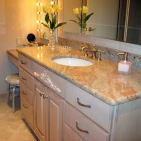 Мебель для ванной комнаты классического стиля
