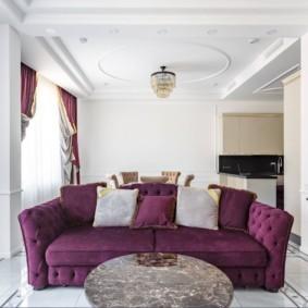 Прямой диван с тканевой обивкой