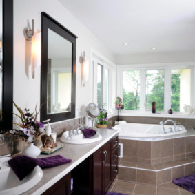 Коричневая плитка в интерьере ванной