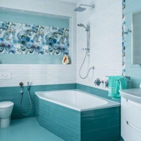 Бирюзовая плитка в отделке ванной