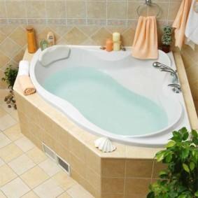 Облицовка кафельной плиткой чугунной ванны