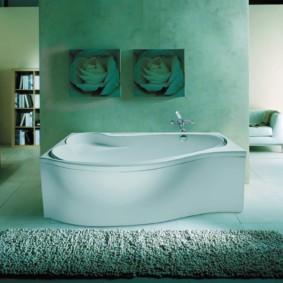 Декор модульными картинами интерьера ванной