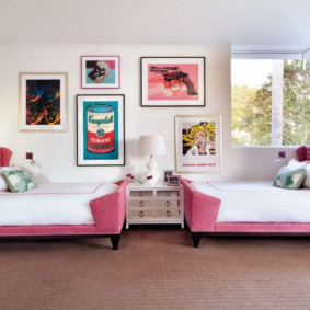Детские кровати с розовым изголовьем