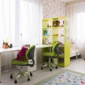 Письменный стол для девочек сестренок