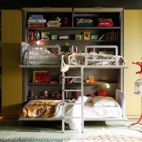 Набор детской мебели с двухъярусной кроватью