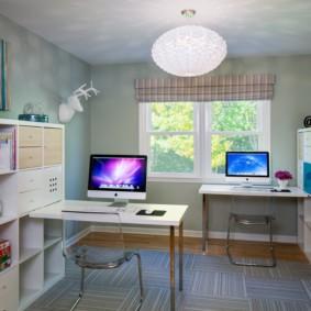 Компьютерные столы в детской комнате