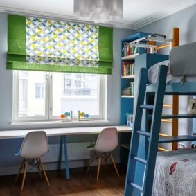 Деревянный пол в комнате для сыновей