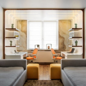 Симметричная расстановка мебели в детской комнате