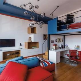 Модульная мебель красно-синего цвета