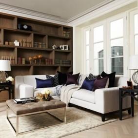 Удобная мебель в зале двухкомнатной квартиры