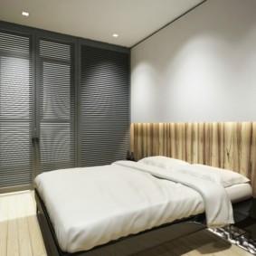 Двухспальная кровать в современной спальне