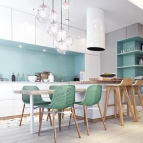 Пластиковые спинки кухонных стульев