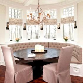 Чехлы из плотной ткани на кухонных стульях