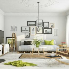 Декор фотографиями стены стены над диваном