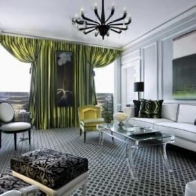 Зеленые шторы из дорогой ткани