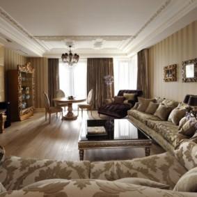Декоративные подушки на диванах в гостиной