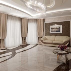 Мраморный пол в просторной гостиной