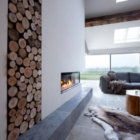 Хранение дров гостиной частного дома
